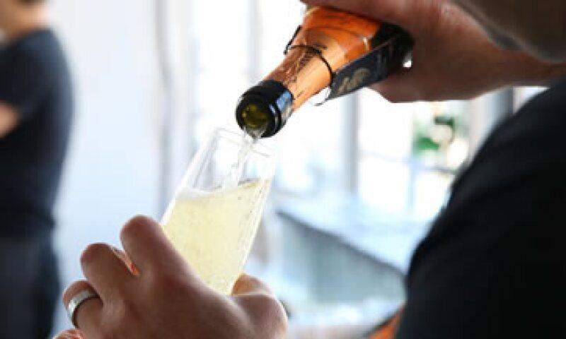 Una botella de Prosecco de calidad ofrece un vino espumoso rico y elegante. (Foto: AFP)