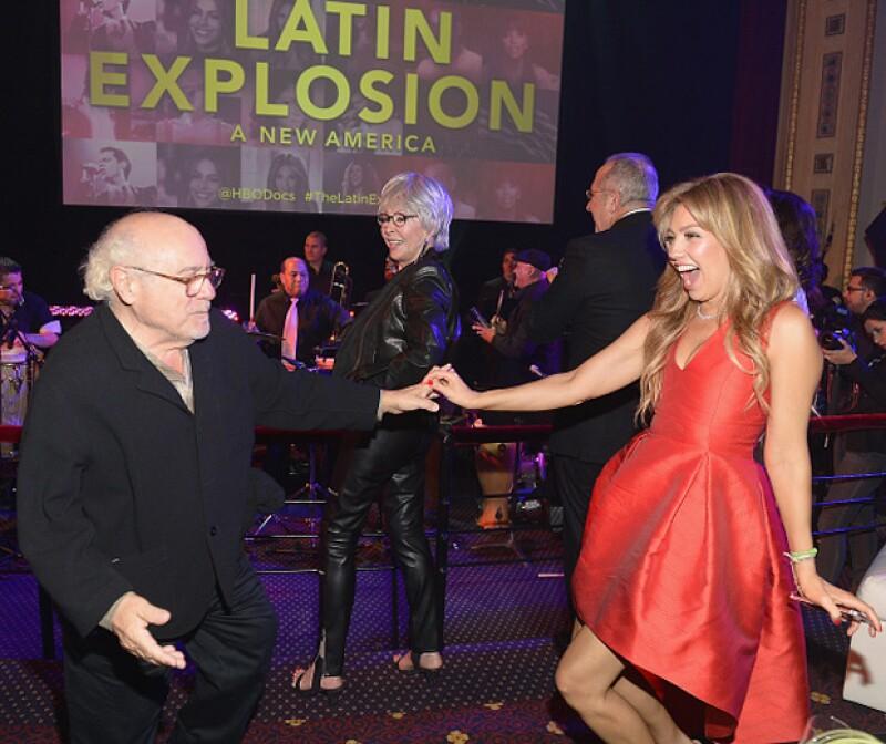 Thalía no paró de sonreír mientras bailaba con el actor.