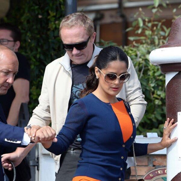 Salma Hayek y Francois-Henri Pinault se encuentran en Venecia con motivo del Festival de Cine Internacional, de hecho la actriz veracruzana presentó el fin de semana el Premio Gucci para Mujeres del Cine 2012.
