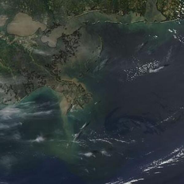 A través de satélites de la NASA se observa el derrame