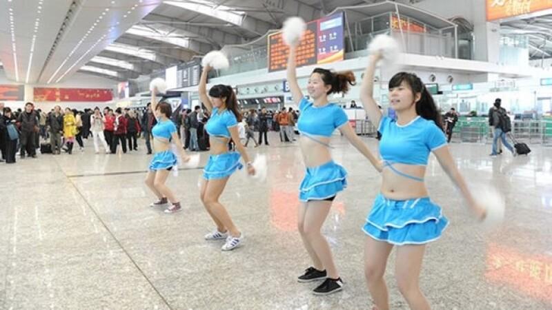 china porristas aeropuerto