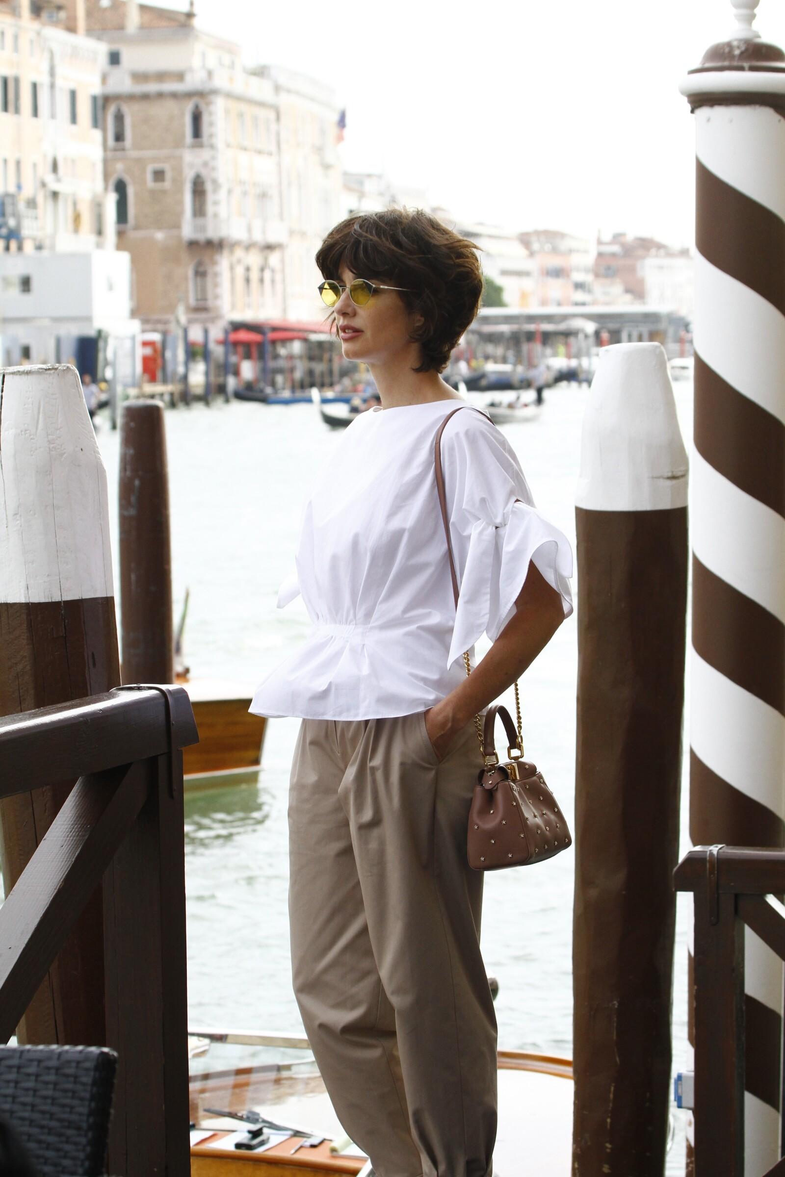 Paz Vega captada en Venecia siendo cool sin esfuerzos