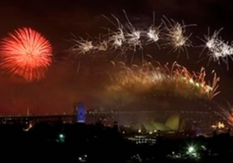 La ciudad de Sidney utilizó 5,000 kilogramos de explosivos para los juegos pirotécnicos en su celebración de 2010. (Foto: AP)