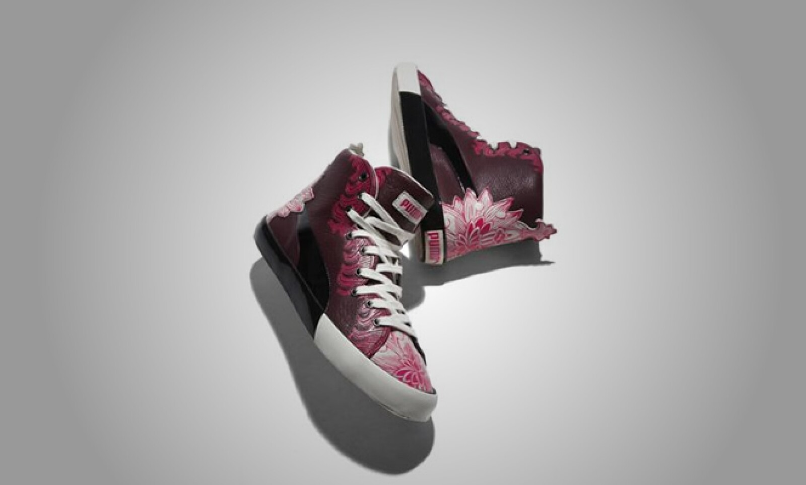 Dicho color aparece también en los famosos 'sneakers' de la compañía.