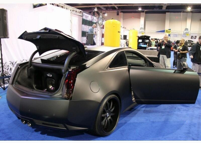 Este Cadillac se llama `Batimóvil´, ya se imaginarán por qué.