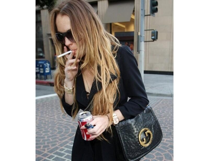 La mayoría de las veces Lindsay es captada con cigarro en mano.