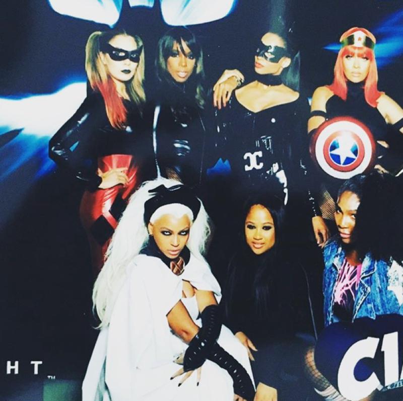 Kelly compartió esta imagen de felicitación a la cantante Ciara, en donde aparece al lado de Beyoncé.