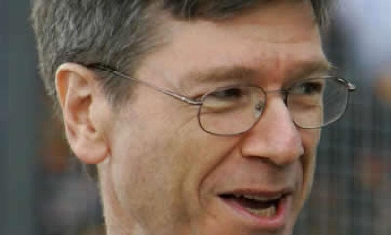 En un artículo de opinión en el Washington Post, Sachs dijo que sus calificaciones lo hacen un mejor candidato que los banqueros y políticos. (Foto: AP)
