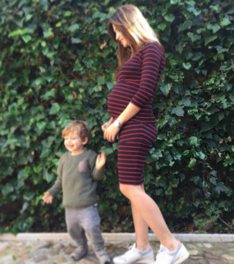 Sara Carbonero ya no puede esconder lo grande que está su baby bump.