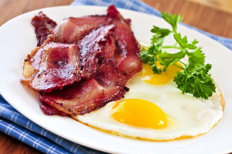 Comer un huevo al día puede reducir el riesgo de una enfermedad en el corazón.