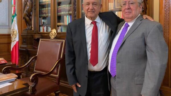 AMLO con Alberto Barranco