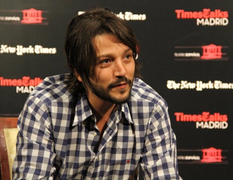 """El actor mexicano participó ayer jueves en la conferencia """"Times Talks"""" donde exhortó a que la sociedad se movilice y ayude a las personas afectadas por Ingrid y Manuel."""