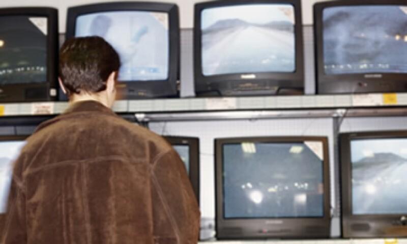 Televisa dejó de ingresar en teoría cerca de 867,000 pesos en la televisión abierta. (Foto: Thinkstock)