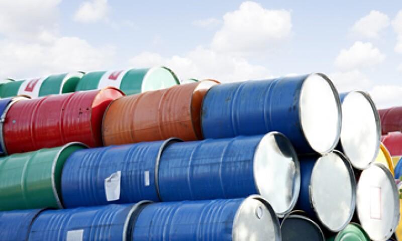 Las petroleras estadunidenses que desean exportar petróleo crudo deben ser autorizadas por el Departamento de Comercio de EU. (Foto: Getty Images)