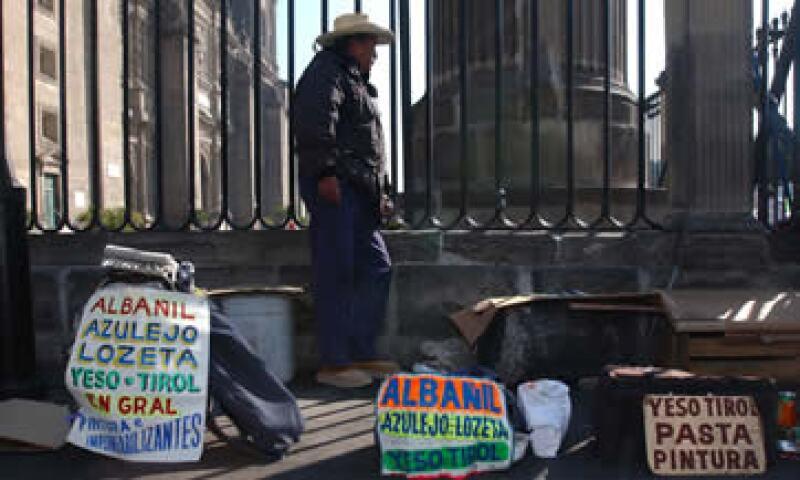 La tasa de desempleo entre los adultos mexicanos de 25 años y más, retrocedió a 3.8% en febrero. (Foto: AP)