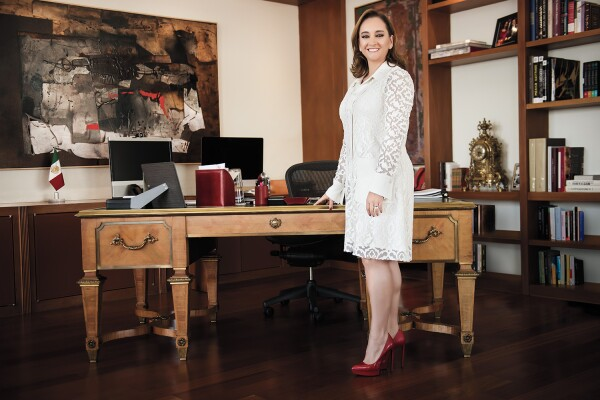 Influencia Positiva, Claudia Ruiz Massieu