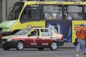 La empresa lanzó una aplicación para solicitar el servicio de taxi. (Foto: Cuartoscuro)