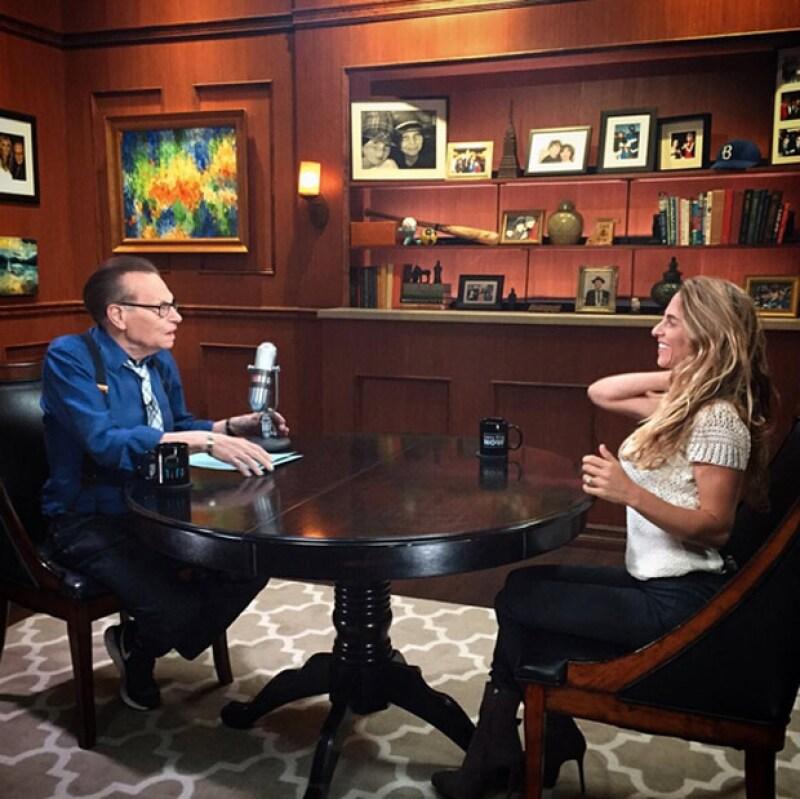 La empresaria, que acaba de ser entrevistada por Larry King sobre su compañía, continúa impulsándola para crear un mundo mejor para los niños.