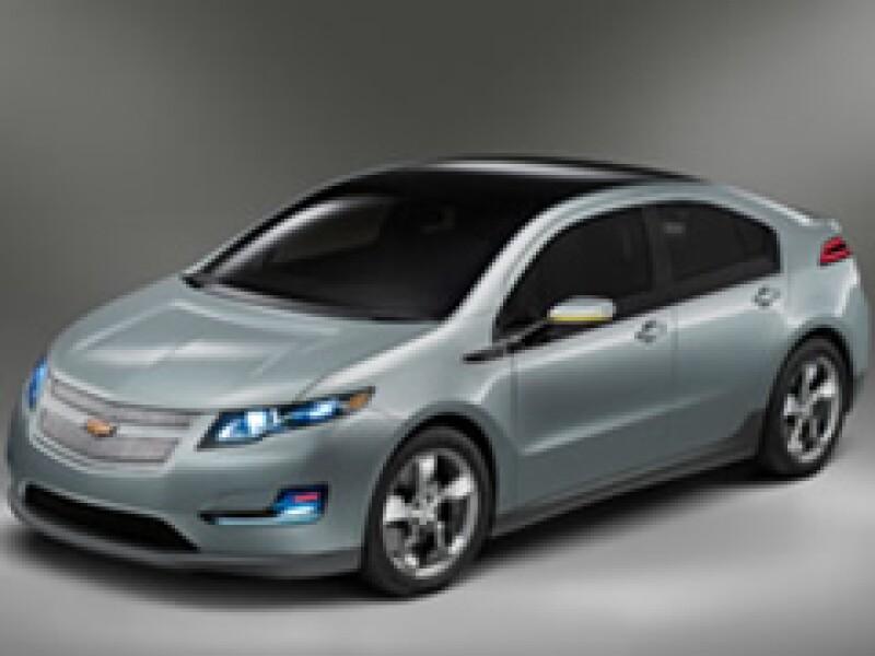 Se espera que el paquete de baterías diseñado para el Volt sea el elemento más caro del vehículo recargable y su componente más importante. (Foto: CNNMoney)