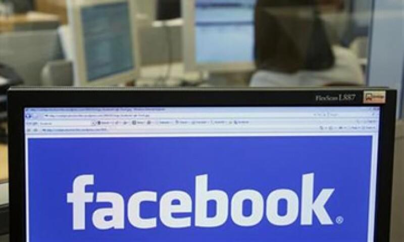 El presidente de GSV Capital dice que hoy, comprar acciones de Facebook a menos de 30 dólares sería difícil. (Foto: Reuters)