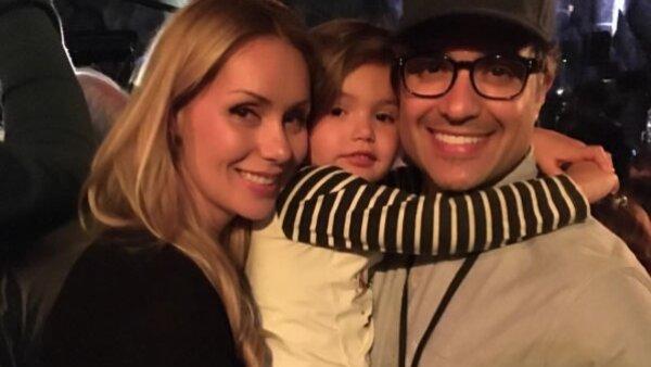 Jaime y Heidi llevaron a su pequeña Elena a disfrutar de la magia durante la apertura de la nueva atracción de los Universal Studios en Hollywood, el mundo de Harry Potter.