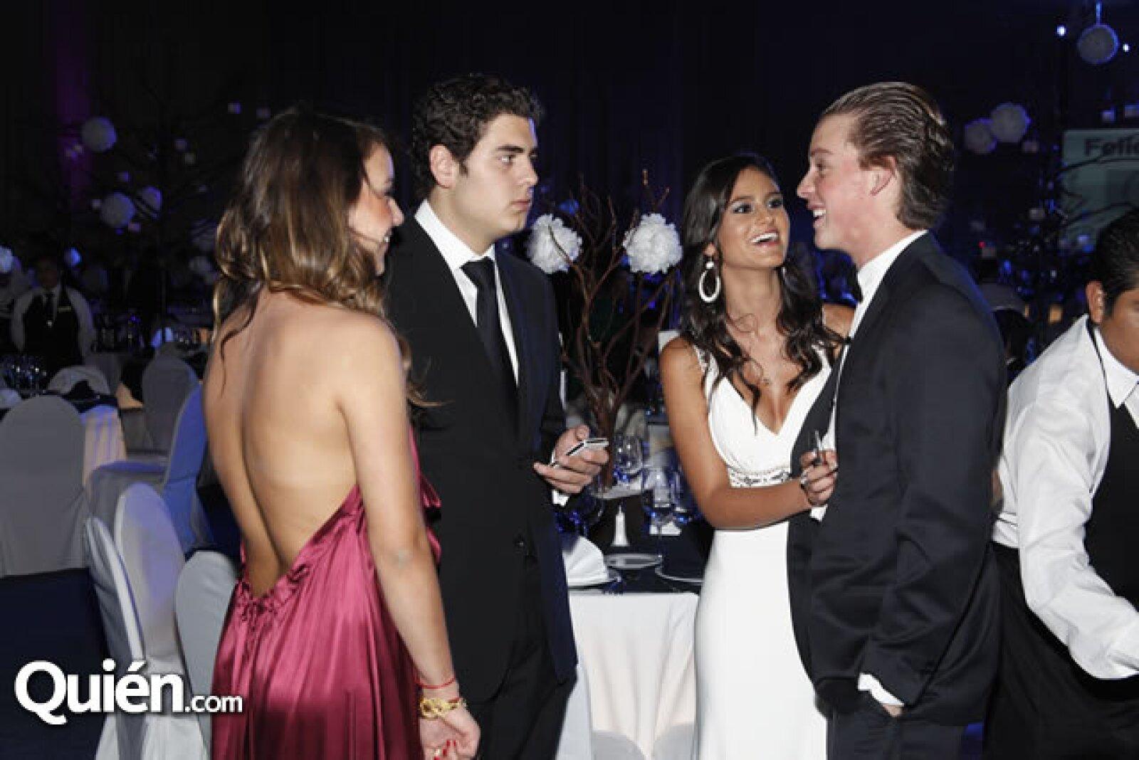 Ana Espinoza,Daniel de la Torre,Regina Ruelas y Guillermo Prieto