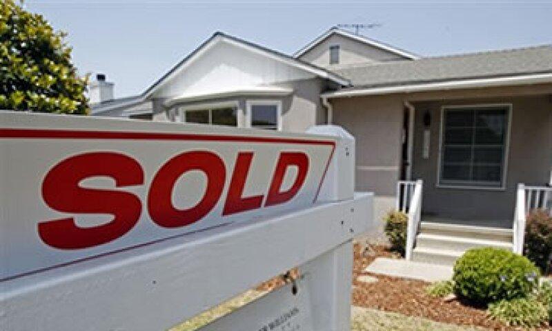 Analistas esperaban que las ventas de casas bajaran a 310,000 unidades. (Foto: AP)