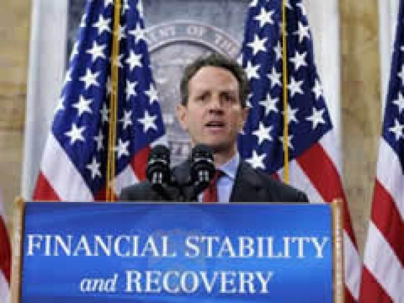 El secretario del Tesoro, Timothy Geithner, anunció el plan de ayuda, que idealmente involucraría una combinación de capital gubernamental y privado. (Foto: Reuters)