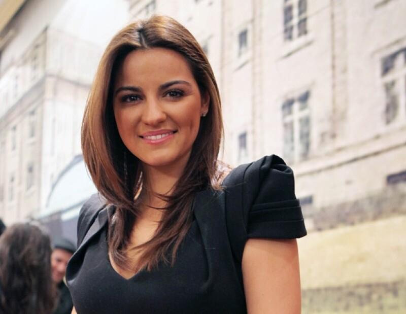 Maite Perroni protagonizará la película El Arribo de Conrado Sierra.
