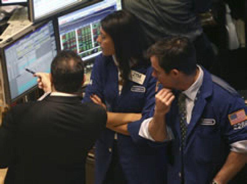 Las Bolsas de EU tuvieron un lunes negro. (Foto: (Archivo))