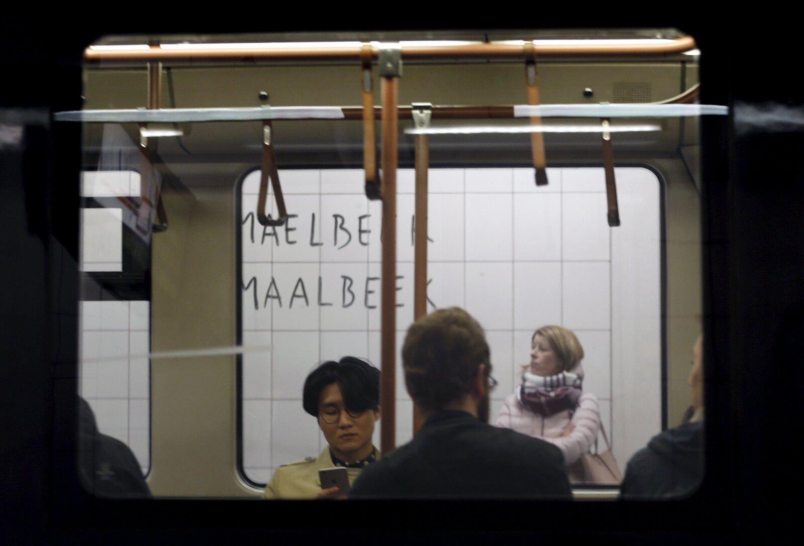 Este lunes reabrió el servicio de la estación Maelbeek, los usuarios podían abordar o bajar en dicha parada.