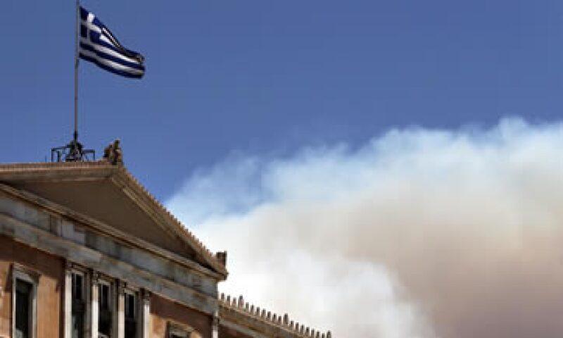El nuevo rescate del Eurogrupo permitirá a Grecia a tener acceso de manera inicial a 96,000 mdd. (Foto: Reuters )