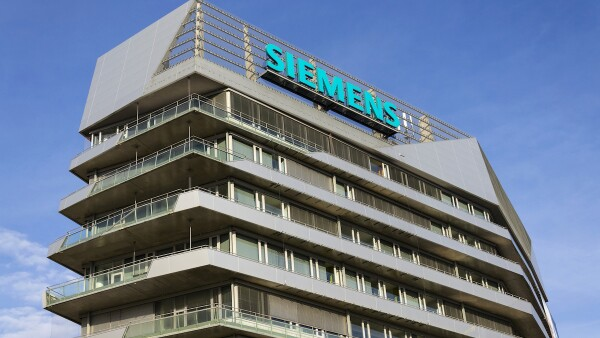 Siemens company logo on Czech headquarters