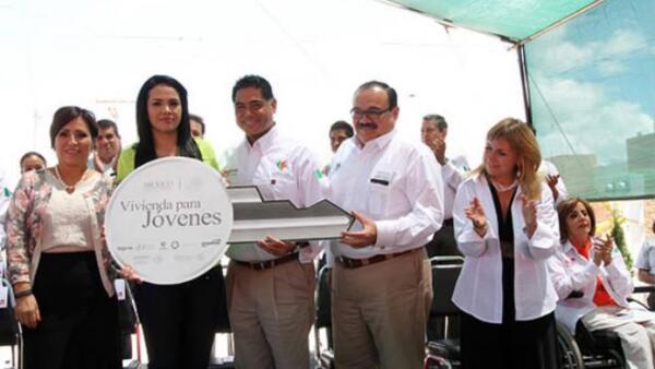 Programa de vivienda para j�venes anunciado en Durango