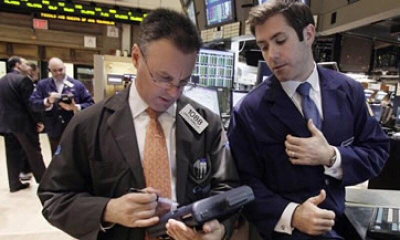 Wall Street registró una sesión de caídas tras señales de debilidad económica en Europa. (Foto: Reuters)
