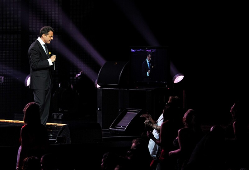 El cantante también aprovechará para festejar por los 25 años de haberse presentado por primera vez en el Auditorio Nacional.