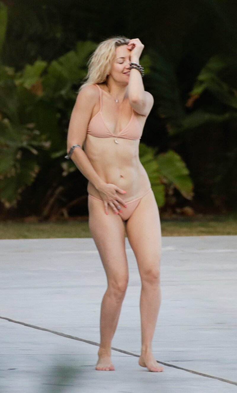 Kate Hudson bailando en Ibiza.