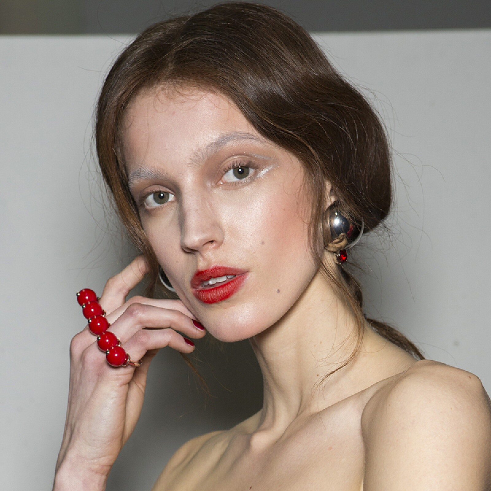 MFW-Milan-Fashion-Week-Beauty-Looks-Belleza-Pasarelas-Emporio-Armani