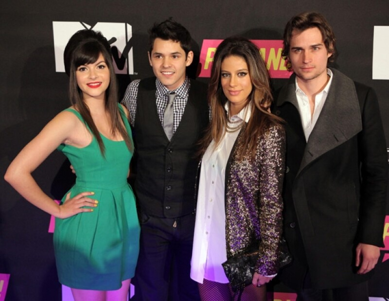 El elenco de Popland!:Sara Cobo, Ricardo Abarca, Manuela González y Jon Ecker.
