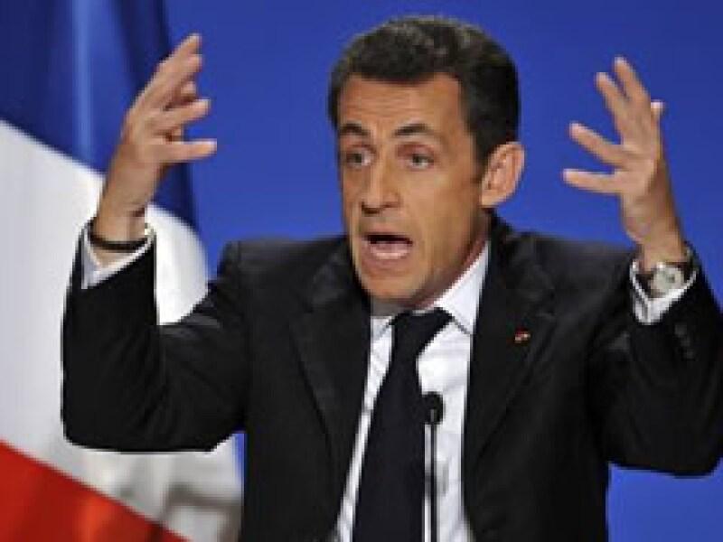 Sarkozy dijo que Francia ha actuado por su cuenta debido a que la UE no está interviniendo para frenar la crisis. (Foto: Archivo)