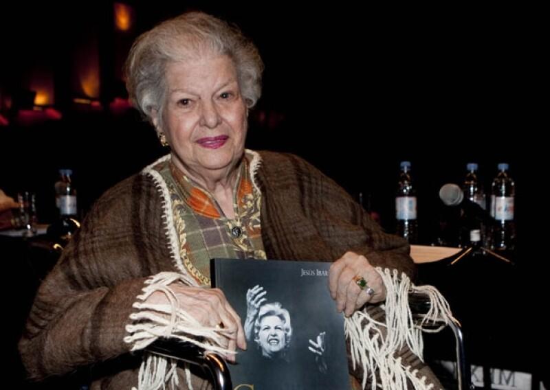 La primera actriz Carmen Montejo en 2010 durante la presentación del libro `Carmen, una mujer Alta´ en la Cineteca Nacional.
