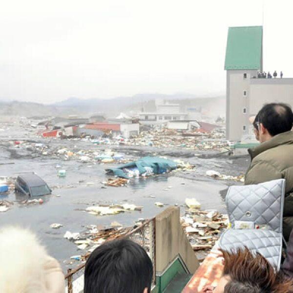 Las olas del tsunami alcanzaron los 10 metros de altura.