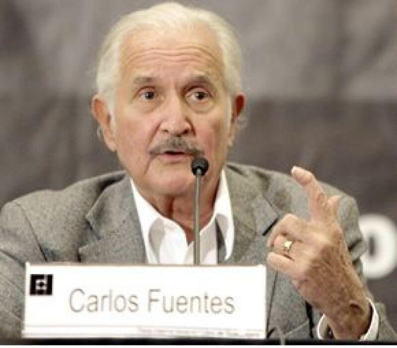 El escritor mexicano se encuentra en la FIL de Guadalajara, en este marco comentó que su obra 'Aura' tuvo más éxito gracias a la polémica que causó en su momento.
