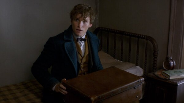 Eddie Redmayne protagoniza la nueva película del universo de Harry Potter.