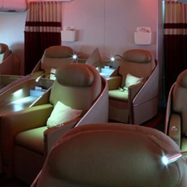 La superficie total de la cabina de esta nave es de 550 m2; también cuenta con gran iluminación ambiental.