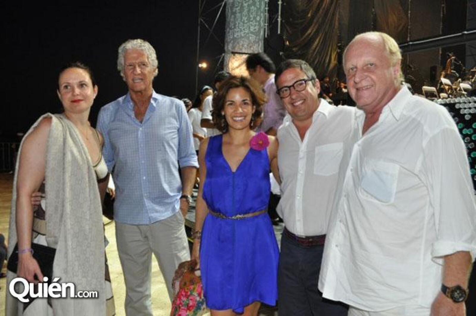 Polo Guillet, Roberto Buerford, Constanza y Joe Slim y Leslie Buerford.