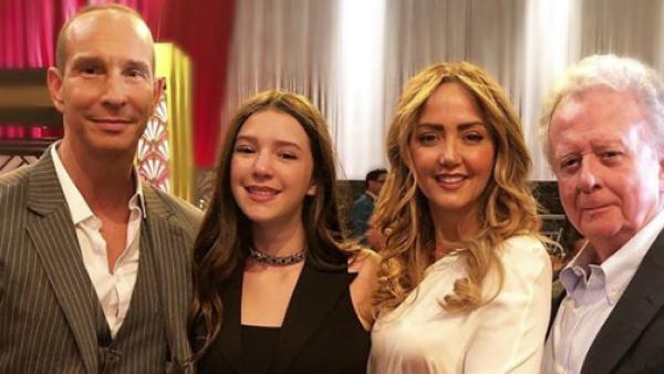 Mía Rubín y su familia