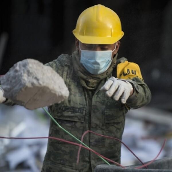 explosion Pemex rescate escombros Ejercito