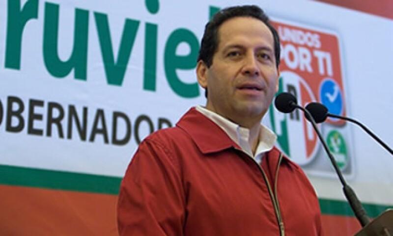 La propuesta de Eruviel Ávila de eliminar la tenencia beneficiará al 82% del padrón de la entidad que paga el impuesto. (Foto: Cortesía eruviel.com)