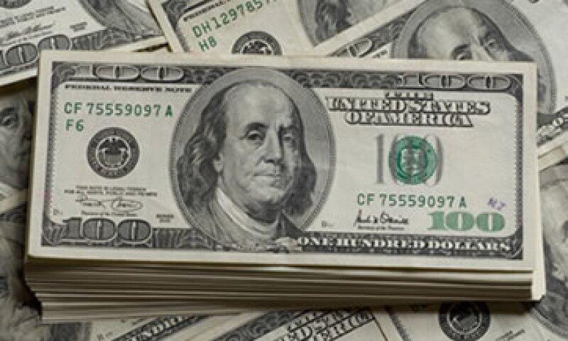 El dólar se adquiere en un mínimo de 12.42 pesos. (Foto: Getty Images)